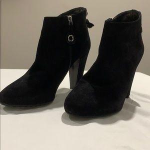 Car Shoe black, suede booties.